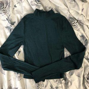 Emerald green long sleeved turtleneck